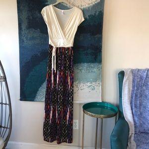 Maternity/nursing maxi dress bright tribal print